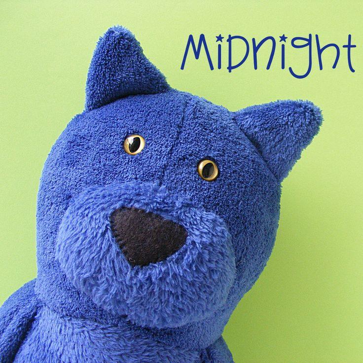 Midnight - cat softie pattern (digital PDF pattern) by ShinyHappyWorld on Etsy https://www.etsy.com/listing/250032472/midnight-cat-softie-pattern-digital-pdf