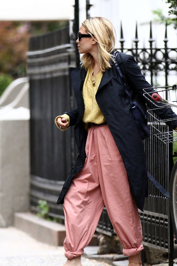 mary kate olsen pink trousers thefashionmedley.com