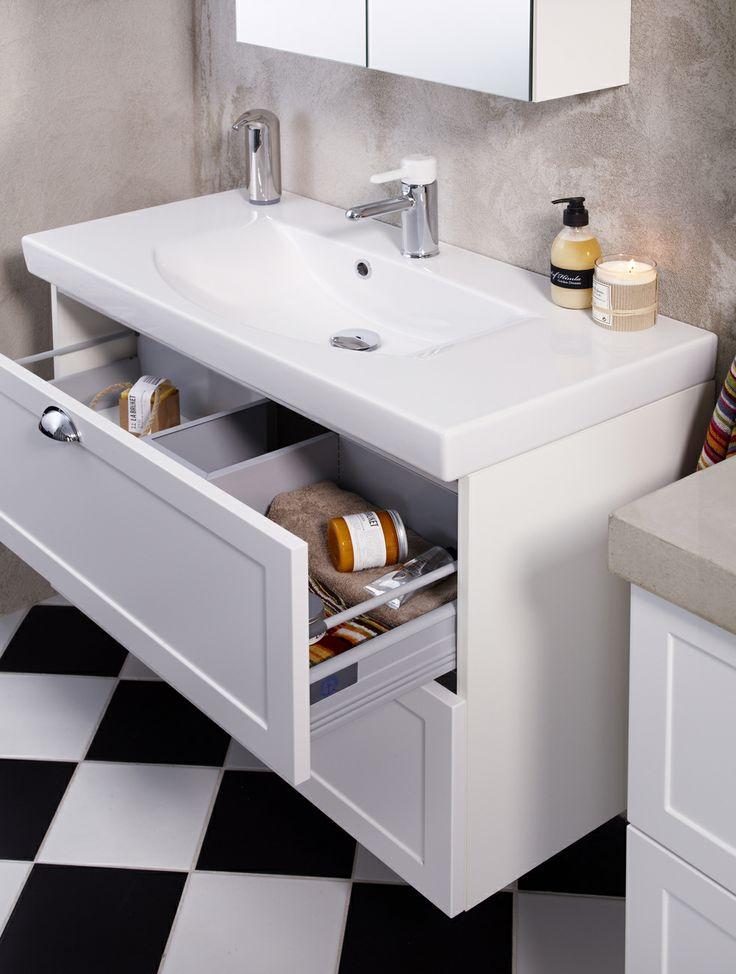 Snygg och smart förvaring med rymliga lådor och skåp. Rena, snygga avställningsytor för en trevlig känsla i badrummet. | GUSTAVSBERG