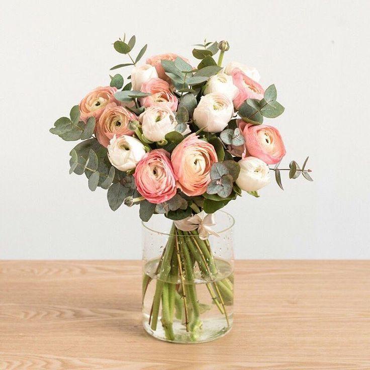 """2,257 mentions J'aime, 22 commentaires - Bergamotte (@bergamotte_paris) sur Instagram: """"Découvrez notre bouquet Place des Victoires, dessiné par @sarahlavoine ! La créatrice de…"""""""