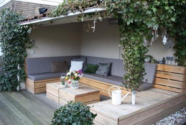 Überdachte Sitzecke für die Terrasse