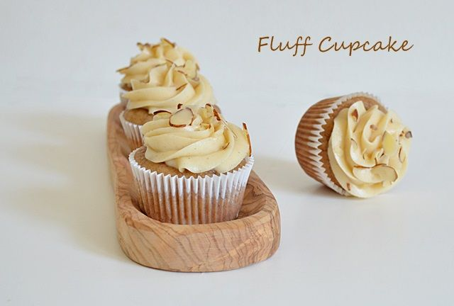 ... Cupcake: Banana Cupcakes with Honey Cinnamon Buttercream Frosting