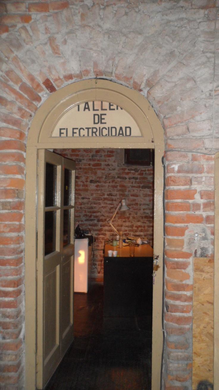 por los pasillos del teatro 25 de mayo, santiago del estero