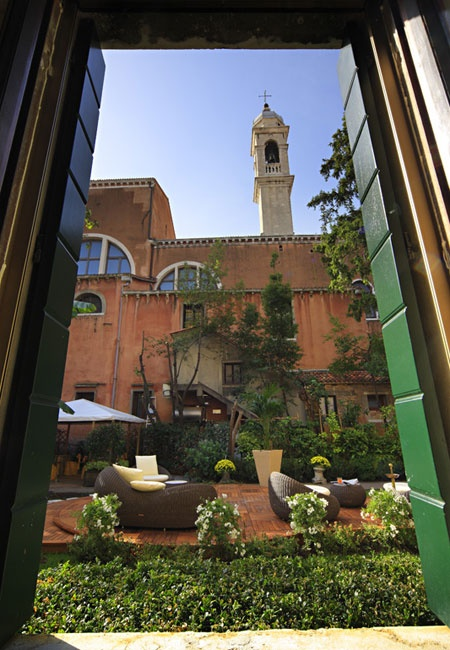 Courtyard of Hotel Abbazia, Venice, Italy- great hotel right by the train station.
