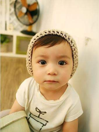 this halfy is hipper than most people I know. Cute mixed Asian baby!