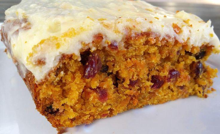 Ik wilde allang dit recept uitproberen maar het feit dat je wortel in een cake gebruikt, leek mij niet zo een goede combinatie. Maar...Wat is die cake lekker z