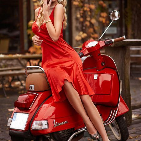 Scooter Girl Vespas 6