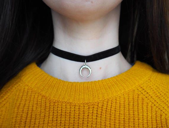 Crescent Moon Black Velvet Choker. Shop on our Etsy store: https://www.etsy.com/uk/shop/DontChoke #chokers #necklace #jewellery #jewelry #suede #velvet #black #style #stylish #fashion #fashionable #trend #charm #handmade #silver #crescent #moon #horn
