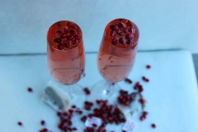 Pomegranate White Tea Sparkler » Beautiful Booze