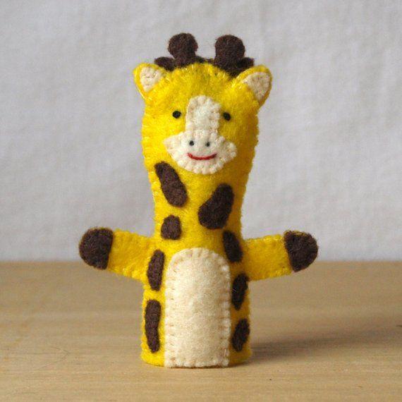 Finger wool puppet Giraffe.
