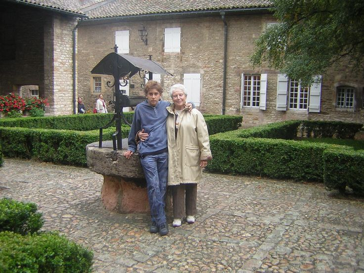 Grandmother and grandson on tour, Burgundy (France)