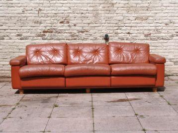 ≥ Retro vintage oranje- bruin leren bank - Banken | Sofa's en Chaises Longues - Marktplaats.nl