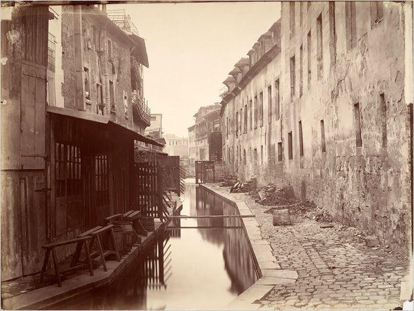 Paris, 1865. La rivière de la Bièvre photographiée par Charles Marville