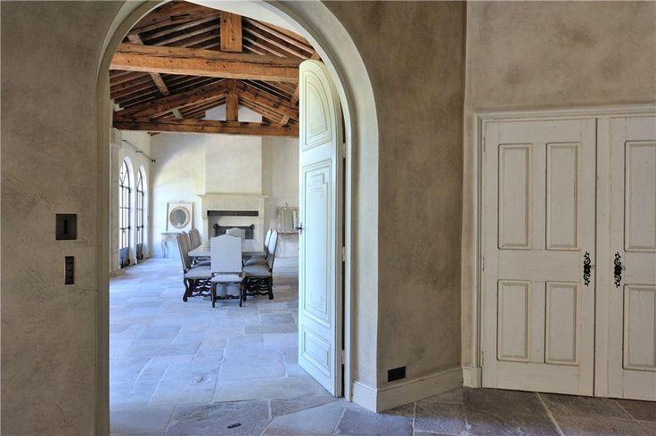 Propriété à vendre - Lacoste, Vaucluse, Provence | Knight Frank