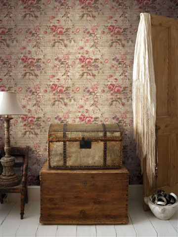 I love this wallpaper !!! Reminds me of something that would be in Sookie's house! lol