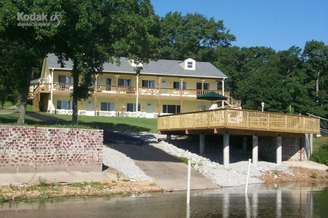 Visit LAKEHOUSEVACATIONS.com to book this home for your next lake vacation to Afton, OK on Grand Lake O' Cherokees. 3 Bedrooms. Sleeps 10. For Rent Daily $229 - Grand Lake, Oklahoma Waterfront Condo's For Nightly Rental. These are the nicest , most direct waterfront availabe on Grand Lake -- All have access to pool, hottubs, laundry facilities -- BBQ s , launch ramp -- covered boat slips --FLAT SCREEN TVS - Oklahoma lake vacations, lake rentals, vacation rentals, lake house rental, lake…
