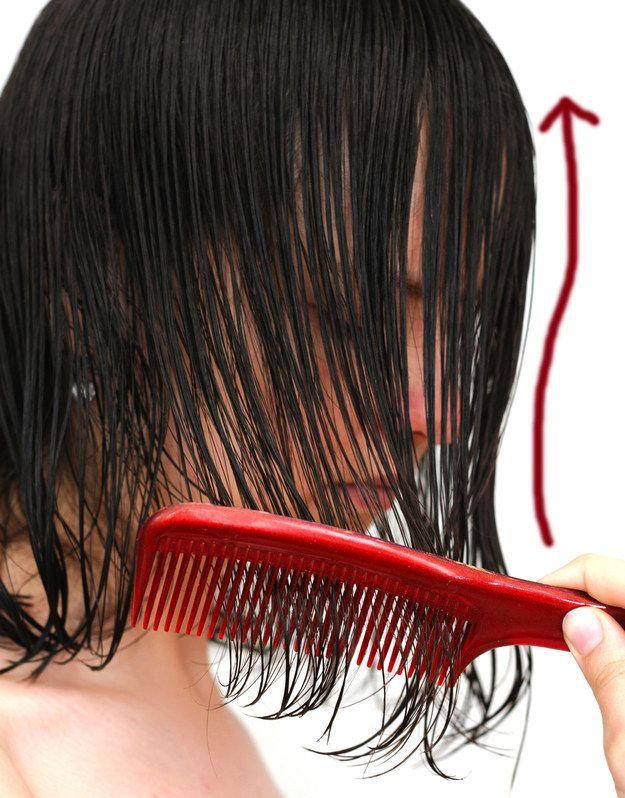 Comienza desde la parte de abajo   18 Trucos de cuidado para chicas con el cabello rizado