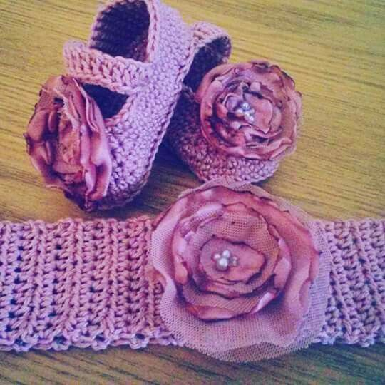 little shoes... made by Helen Barnes designer at #ByHelen #Crochet #Cotton #BabyMaryJanes #PrettyFlowers #Handmade #SupportLocal