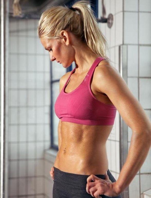 Birçok kadının hayali sağlıklı, dik ve dolgun göğüslere sahip olmaktır. Yıllarca bu hayali gerçeğe dönüştürmek isteyen birçok kadın estetik ...