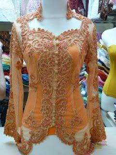 kebaya abito nazionale indonesiano