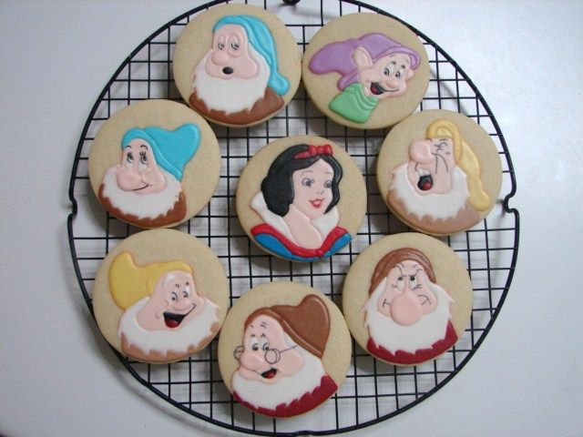 Snow White and the Seven Dwarfs Cookies!