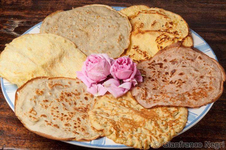 CREPES SENZA GLUTINE: fatte con farine alternative di quinoa, grano saraceno, riso e miglio. La ricetta la trovi nel libro delle ricette del dott. Mozzi: http://dietagrupposanguigno.it/libri/libro-le-ricette-del-dottor-mozzi-volume-2/ - Foto di Gianfranco Negri