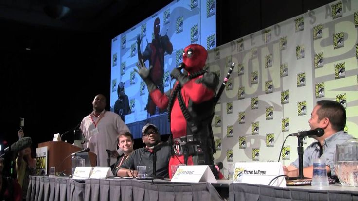 SDCC 2012: Deadpool crashes the Marvel Games panel to announce his own game. THIS IS THE FUNNIEST THING!!!!