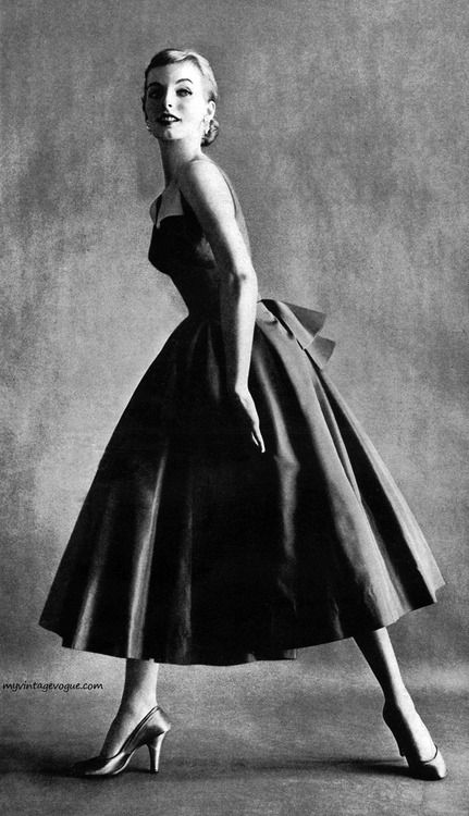 So A-line | A classic New Look silhouette from 1953 via My Vintage Vogue.