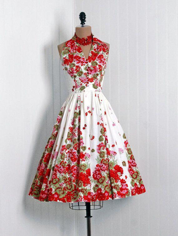 #floral #dress #1950s #partydress #vintage #frock #retro #sundress #floralprint #petticoat #romantic #feminine #fashion
