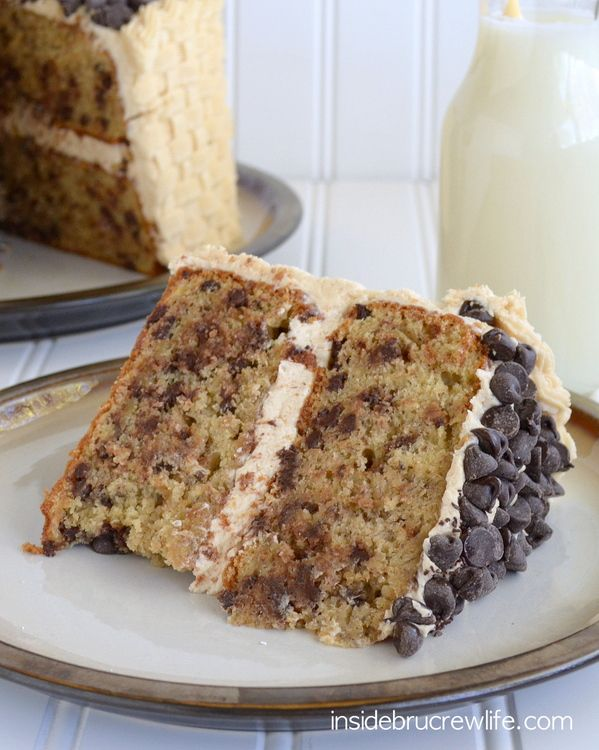 This Chocolate Chip Banana Cake with Honey Peanut Butter Frosting is absolutely amazing