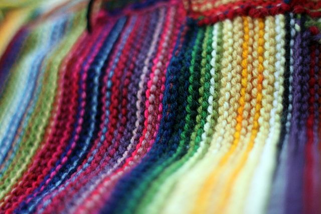 rainbow-y goodness: Decor Ideas, Knits Diy Fashion, Color Combos, Knits Scarves, Pretty Color, Rainbows Knits, Leftover Yarns, Knits Blankets, Photo