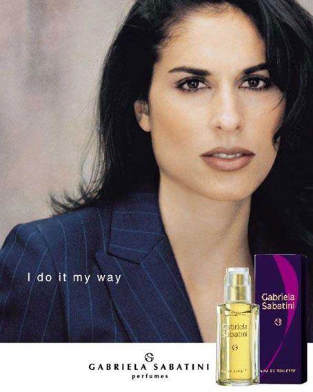 Gabriela Sabatini Feminino- não consigo enjoar de jeito nenhum desse perfume,é o meu favorito,pra usar de dia,a noite,calor,frio...