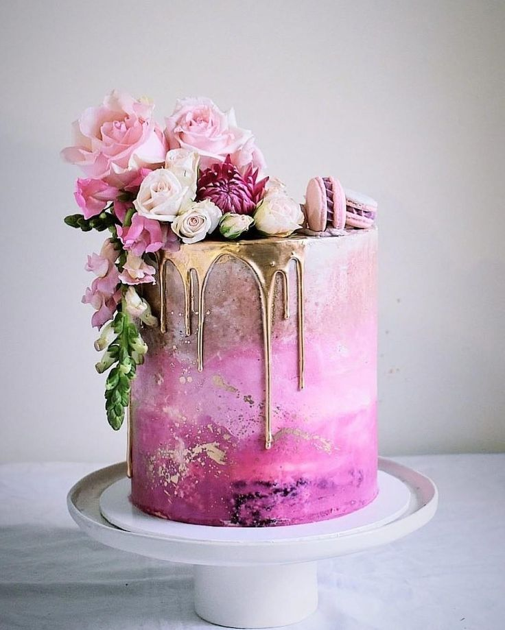 Purple Wedding Ideas With Pretty Details: Pink Ombre Cake Inspo