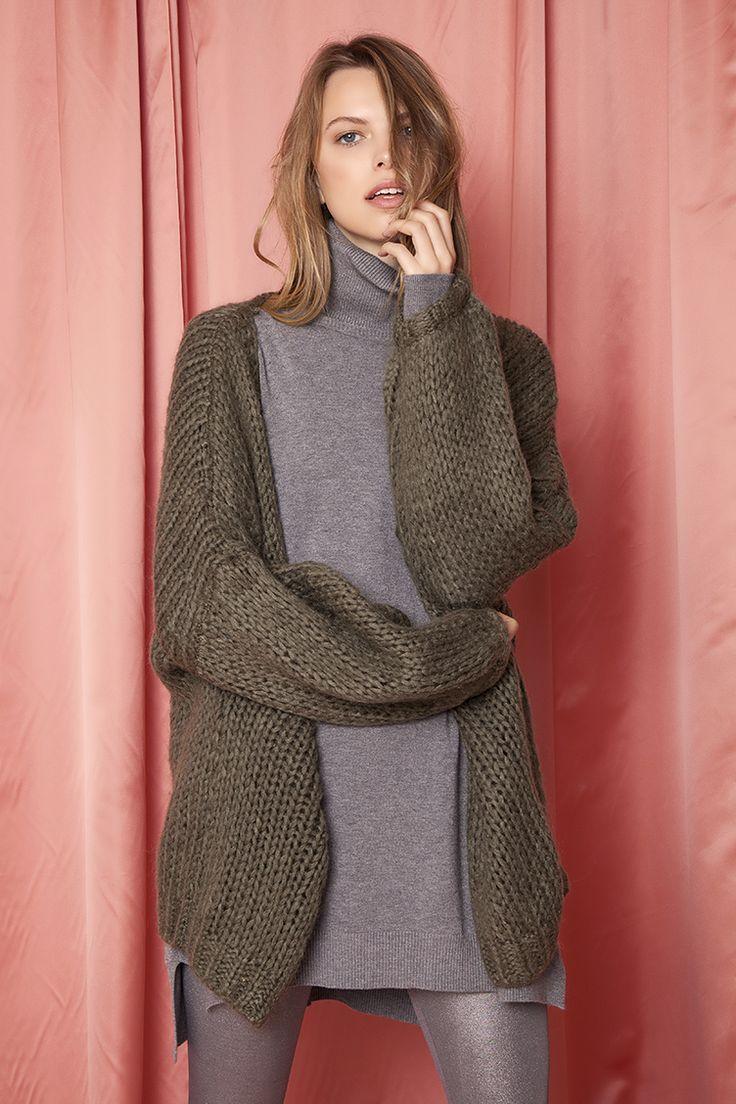 Oversized Knit Jacket ΤΩΡΑ €24,90  * Για αγορά online κλικ πανω στην εικονα