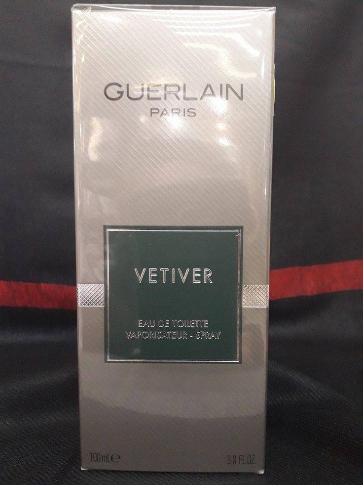 Vetiver Guerlain uno dei primi profumi maschili della griffe parigina che attesta il grande valore della sua creatività. La composizione nella quale si riconoscono il vetiver, la fava tonka e la noce moscata è di carattere legnoso, fresco.
