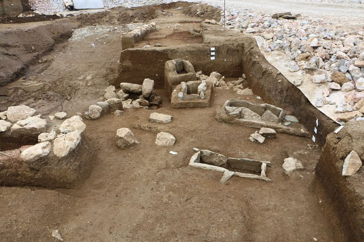 """General view of the #cemetery revealed during the rescue excavation at the """"Rema Xydias"""" in #Platamonas (Pieria, Greece). #Mycenaean"""