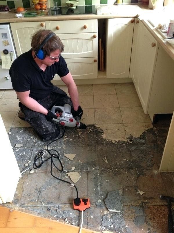 How To Remove Ceramic Tile Glue From Concrete Floor Feels Free To Follow Us Di 2020