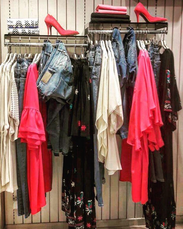 #quoteoftheday : Chase your Dreams.. in high heels, of course! •• Νέες Αφίξεις: Βρες αυτό που σου ταιριάζει από τις τελευταίες τάσεις της μόδας σε όλα τα #matfashion καταστήματα αλλά και online! #realsize #collection #springsummer2017 #ootd #ootdplussize #instafashion