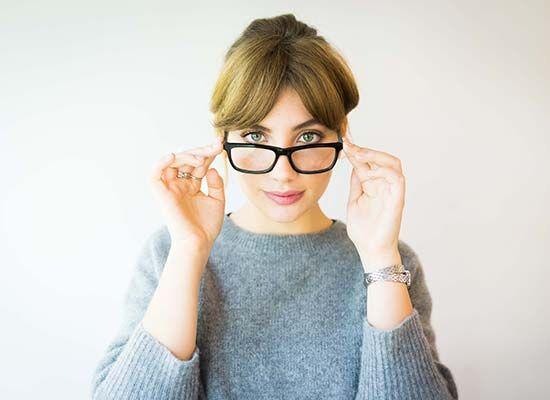 Las gafas de ver, de objeto de culto a icono de moda