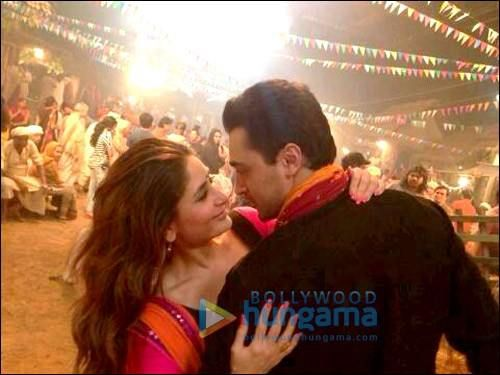 Imran, Kareena on set of #GoriTerePyaarMein