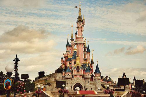 Disney castle yes mama