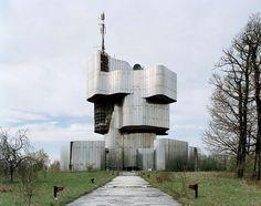 El retro vanguardismo arquitectónico de la antigua Yugoslavia   OLDSKULL