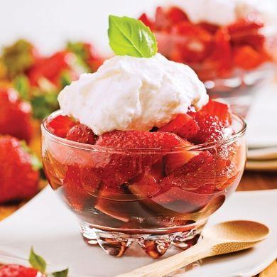 Fraises au vinaigre balsamique et crème de mascarpone - Desserts - Recettes 5-15 - Recettes express 5/15 - Pratico Pratiques
