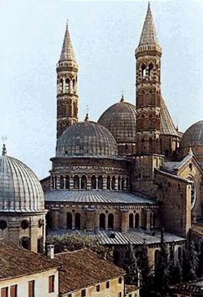 Abóbodas: tipo de teto comum na i. Media romanica.