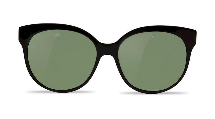 Vuarnet spécialiste des lunettes de soleil en verres minéraux et polarisants depuis 1957 – Made in France.