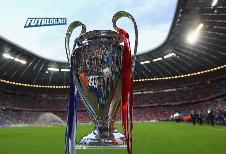 Desde este día el magnifico himno de la Champions League empieza a sonar en nuestras mentes, sinonimo de buenos partidos y encuentros electrizantes, emoción por doquier.  El sorteo fue en Suiza  de la fase de grupos de la Champions League 2012/2013, el máximo torneo a nivel de clubes, que incluye a 32 equipos de 17 países. Es momento de frotars