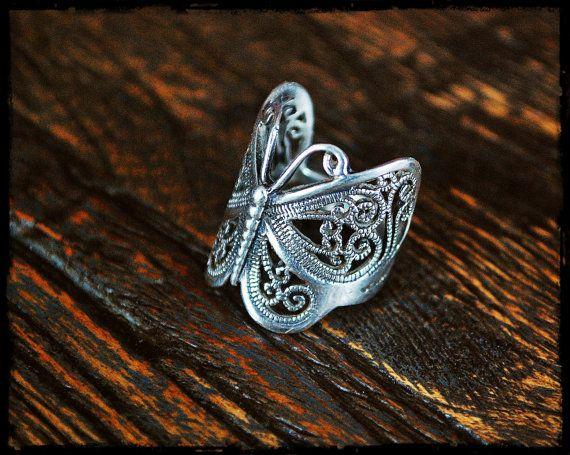 Anillo de mariposa  tamaño 6.5 por CosmicNorbu en Etsy
