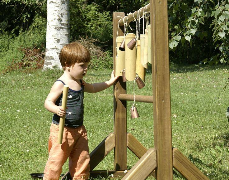 Estructura de fusta per a l'experimentació sensorial.