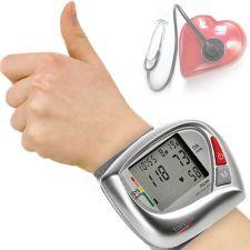 Comprar Tensiómetro BPM Wrist 3500 | Tristar BD4623. Este tensiómetro de muñeca digital mide su presión arterial y pulso, según el estándar de la Organización Mundial de la Salud. Le avisa cuando tiene latidos irregulares y retiene 40 mediciones en memoria para tres personas distintas.