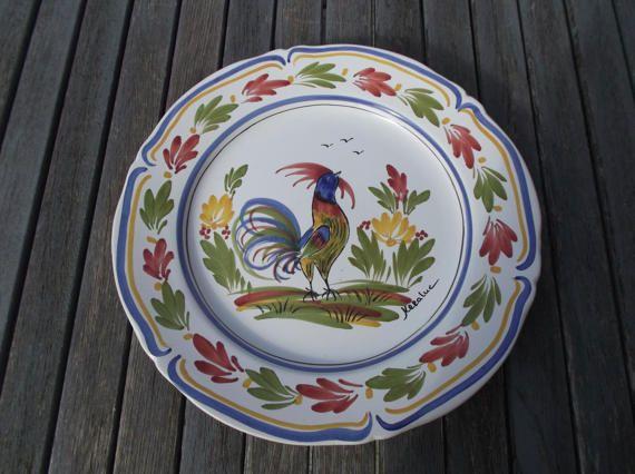 assiette murale Keraluc faïence de Quimper entièrement peinte